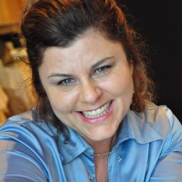 Lisa McCarthy - Creative, Manufacturing, Funding, Entrepreneur