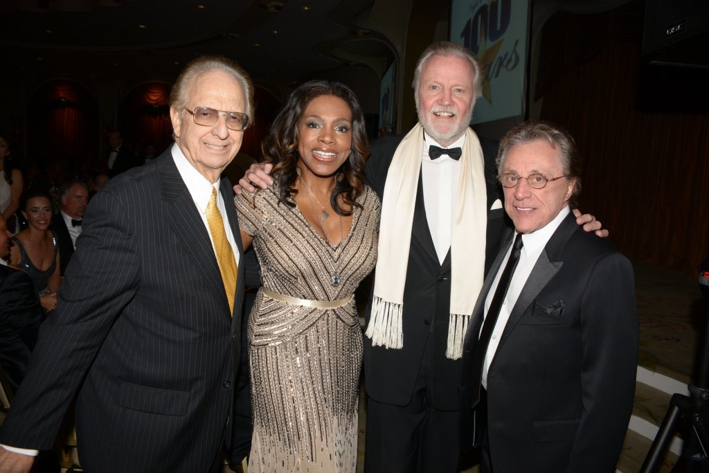 pic Night of 100 stars Norby Sheryl Lee Ralph Jon Voight Frankie Valli best